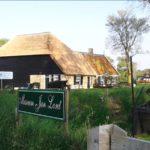 De Wieringer Museumboerderij toen het dak net opnieuw was gerietdekt.