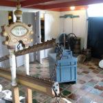 Het voorhuis of kaaskamer met de bedstedes en de trouw- en rouwdeur.